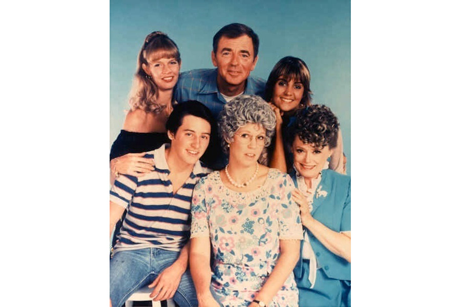 6-rue-in-mamas-family