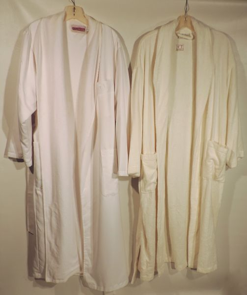 rue s his and hers tv land bathrobes sold the estate of rue. Black Bedroom Furniture Sets. Home Design Ideas